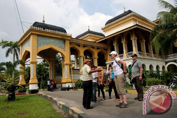 Obyek wisata Medan dipadati pengunjung