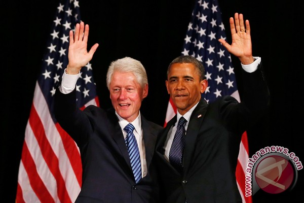 Bill Clinton dukung Obama