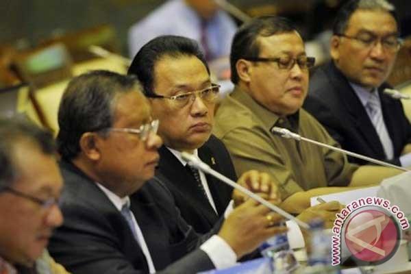Dewan Komisioner OJK akan dilantik besok