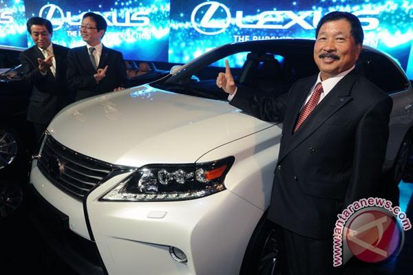 Konsumen Lexus kebanyakan membeli secara tunai