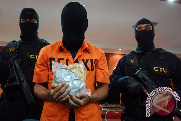 Polisi buru bandar penyelundup narkotika di Malaysia