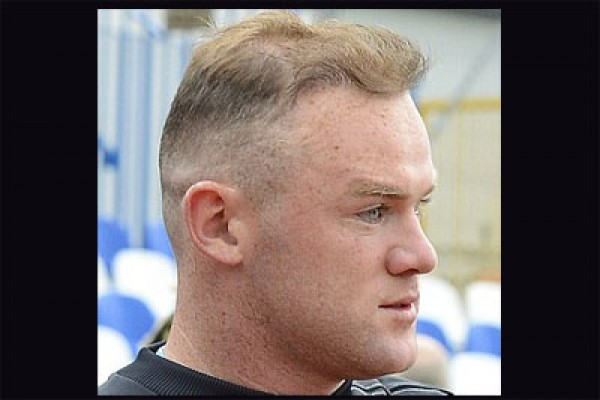 Plesetan pers Inggris untuk Rooney