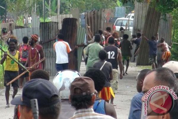Perang antar kampung Timika terus berlangsung
