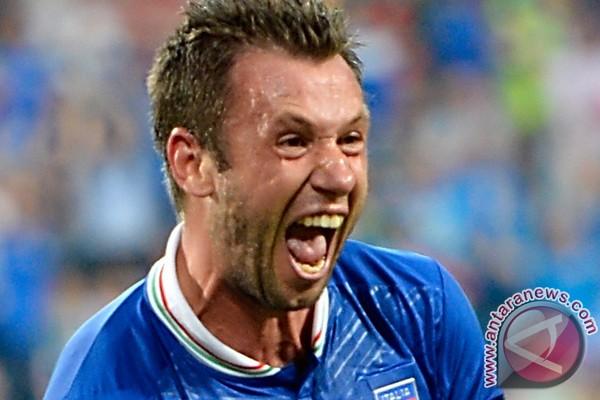 Komentari homoseksual, Cassano didenda UEFA