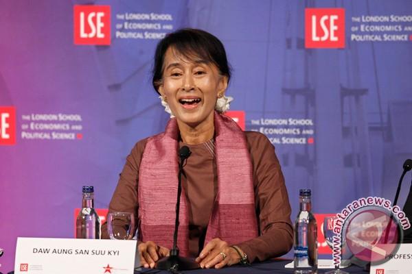 Suu Kyi terima gelar doktor kehormatan di Inggris