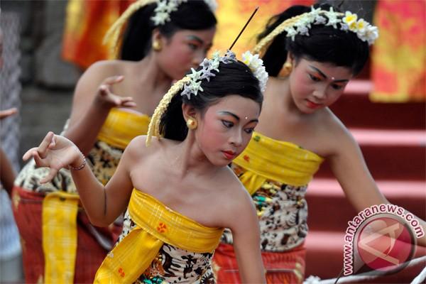 Puluhan mahasiswa Thailand belajar tarian Bali