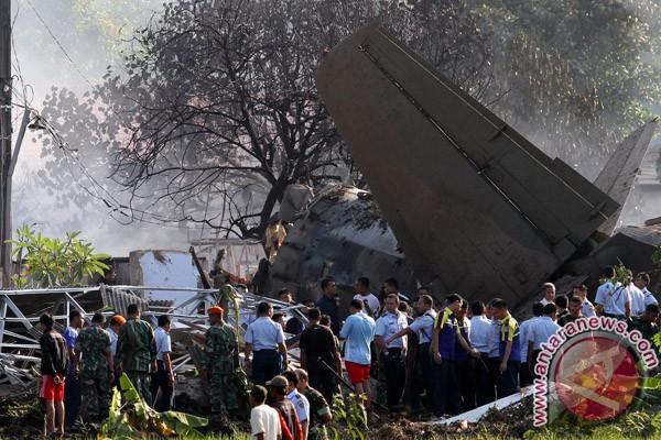 Fokker F-27 jatuh, 20 unit pemadam kebakaran dikerahkan