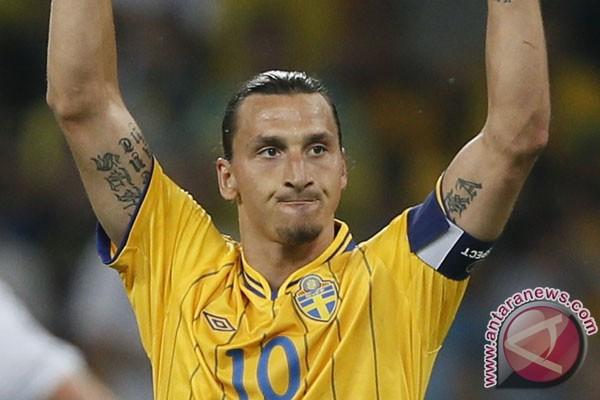 Ibrahimovic diperkenalkan sebagai pemain PSG