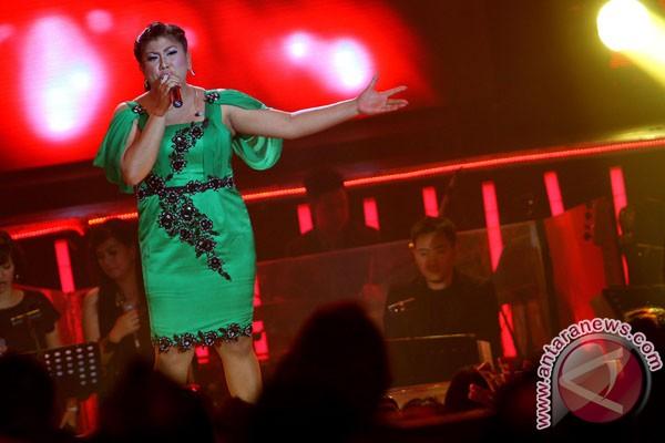 Regina jadi juara Indonesian Idol