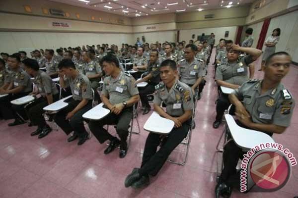 DPR dan Kepolisian Indonesia Musuh Kebebasan Pers 2012