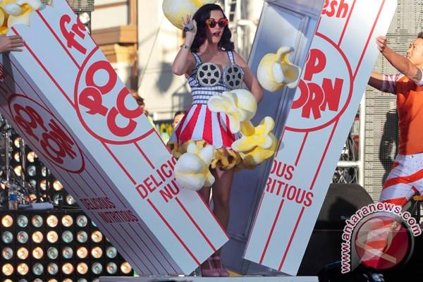 Tarian Katy Perry dituduh tidak senonoh