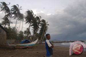 Angin kencang di sejumlah daerah Maluku