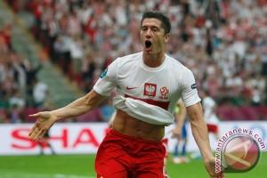 Euro 2016 - Lewandowski tetapi dipuji meski Polandia tersingkir