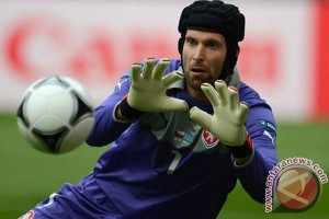 Soal Petr Cech, Mourinho dukung keputusan Abramovich