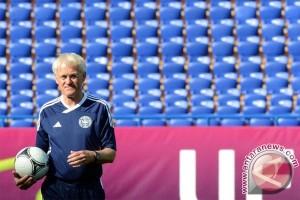 Morten Olsen mundur setelah 15 tahun latih Denmark