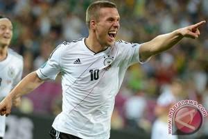 Euro 2016 - Lukas Podolski kritik keras format baru 24 tim