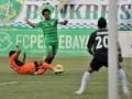 Pesepakbola Persiraja Banda Aceh, Gilang Angga Kusuma (12) berusaha merebut bola dari Pesepakbola Persebaya Surabaya, Erol Iba (3) dalam lanjutan pertandingan Indonesia Premier League (IPL) di Gelora Bung Tomo (GBT) Surabaya, Jatim, Senin (2/7). Persebaya Surabaya berhasil memenangkan pertandingan dengan skor 2-1 atas Persiraja Banda Aceh. (FOTO ANTARA/M Risyal Hidayat)