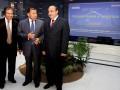 Duta Besar Indonesia untuk Irak Letjen TNI (Purn) Safzen Noerdin (tengah), Wakil Duta Besar Irak untuk Indonesia Yunnis Salim Sarhan (kanan) dan Ketua Kamar Dagang dan Industri Indonesia (Kadin) untuk Timur Tengah Fachri Thaib (kiri) mengikuti dialog bisnis yang mengambil tema 'Rebut Peluang Bisnis dan Investasi di Irak' di Jakarta, Selasa (3/7). Dialog ini dihadiri puluhan pebisnis maupun pengusaha Indonesia yang berminat memanfaatkan peluang tersebut terutama di bidang eksplorasi minyak bumi Irak. (FOTO ANTARA/Dhoni Setiawan)