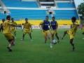 Pemain Sriwijaya FC tengah melakukan latihan rutin di Stadion Gelora Sriwijaya Jakabaring Palembang, Selasa (3/7). Meskipun telah mencapai gelar juara namun Sriwijaya FC masih ingin memperbaiki kekalahan di dua laga tandang terakhir dengan kemenangan di dua laga kandang dengan Pelita Jaya Kamis (5/7) dan Persib mendatang. (ANTARA/ Feny selly)