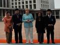 Kanselir Jerman Angela Dorothea Merkel (3 kiri) didampingi Menteri Pariwisata dan Ekonomi Kreatif Mari Elka Pangestu (kiri) dan pengurus Masjid Istiqlal melihat-lihat kompleks masjid tersebut di Jakarta, Selasa (10/7). Kunjungan Kanselir Jerman Angela Merkel tersebut merupakan rangkaian kunjungan kenegaraan yang dijadwalkan selama dua hari tanggal 10-11 Juli 2012 guna meningkatkan kerjasama Jerman dan Indonesia. (ANTARA/Andika Wahyu)