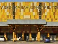 Salah satu lokasi pelaksanaan PON XVIII/2012, Stadion Kaharuddin Nasution yang berada di daerah Rumbai, Pekanbaru, Riau, Selasa (10/7). Meski sudah mulai dipergunakan untuk penyelenggaraan Piala Asia (AFC), pembangunan stadion tersebut belum sepenuhnya selesai. (FOTO ANTARA/Yudhi Mahatma)
