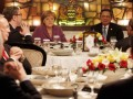 Presiden Susilo Bambang Yudhoyono (kanan) dan Kanselir Jerman Angela Merkel (kedua kanan) menghadiri jamuan makan siang dengan kalangan pebisnis (business luncheon) dari Indonesia dan Jerman di sebuah restoran di kawasan Cikini, Jakarta Pusat, Rabu (11/7). Jamuan makan siang tersebut digelar sebagai salah satu usaha menjembatani dan mempertemukan antara pebisnis Indonesia - Jerman dan melihat berbagai peluang usaha yang ada bagi mereka dan kedua negara. (ANTARA/Widodo S. Jusuf)