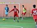 Tim Sepakbola Nasional Indonesia berlatih teknik dan fisik di sela-sela pertandingan kualifikasi grup E Piala Asia (AFC) di Pekanbaru, Riau, Jumat (13/7). Tim Nasional Indonesia sebelumnya kalah atas Jepang 5-1, selanjutnya akan menghadapi Tim Nasional Singapura, Minggu (15/7), di Stadion Utama Riau. (FOTO ANTARA/Yudhi Mahatma)
