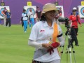 Atlet panahan Indonesia Ika Yuliana Rochmawati sedang bertanding pada babak penentuan peringkat, nomor perorangan di Lord's Cricket Ground, London, Jumat (27/7). (ANTARA News/Fitri Supratiwi)