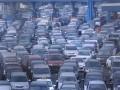 Sejumlah kendaraan yang bergerak dari Tol Jagorawi terjebak kemacetan di pintu masuk tol dalam kota di Kampung Makassar, Jakarta Timur, Senin (30/7). Kemacetan yang kerap terjadi itu selain diakibatkan ruas jalan yang sudah tidak dapat menampung jumlah kendaraan, juga belum tersedianya transportasi massal yang memadai. (ANTARA/Saptono)