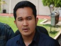 Ajudan Gubernur Riau, Said Faisal alias Hendra, saat akan menjalani pemeriksaan KPK di Sekolah Polisi Negara, di Pekanbaru, Senin (30/7). KPK memeriksa Said sebagai saksi dalam kasus dugaan korupsi proyek PON XVIII di Riau, dan telah menetapkan status cekal untuk kepentingan penyidikan. (FOTO ANTARA/FB Anggoro)
