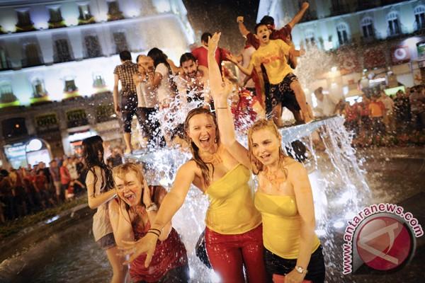 Sukses timnas Spanyol di tengah krisis ekonomi?