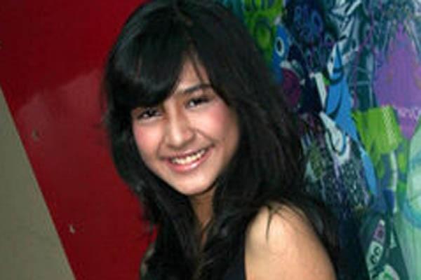 Mikha Tambayong ingin jadi pengacara
