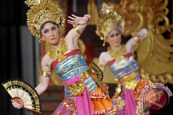 Jepang membawakan Tari Putri Angangsuh dalam pagelaran seni tari dan