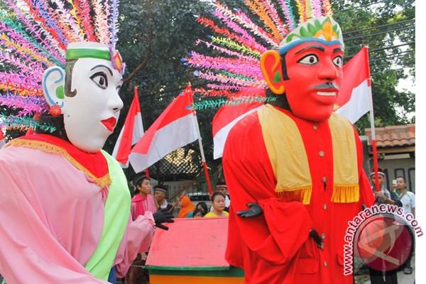 Menikmati budaya Betawi bersama alunan keroncong Tugu