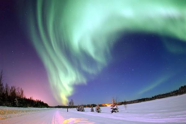Peneliti mengungkap suara aneh Aurora Borealis