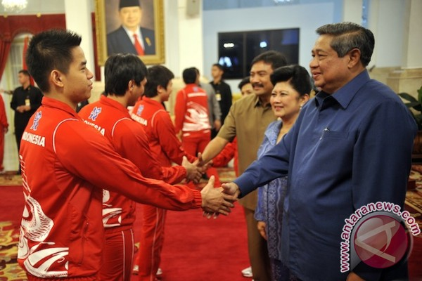 President Yudhoyono sees off Olympic contingent