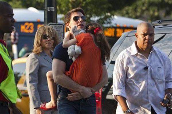 Tom Cruise kunjungi putrinya setelah perceraian