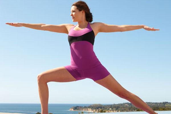 Caponyasa, perpaduan  yoga dan capoeira