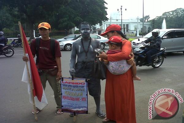 Hari Suwandi, korban lumpur Lapindo yang jalan kaki 800 km ke Jakarta