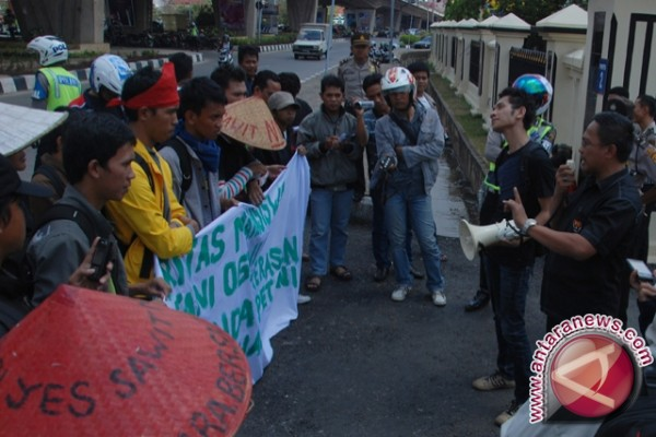 Demo tuntut penuntasan kasus lahan PTPN VII