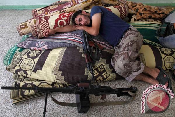 Oposisi Suriah punya barisan tank di Aleppo