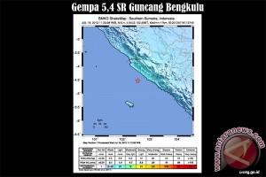Warga Mukomuko rasakan gempa Padang