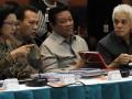 Menko Perekonomian Hatta Rajasa (kanan) berbincang dengan Menko Kesra Agung Laksono (kedua kanan), Menkeu Agus Martowardojo (kedua kiri) dan Menteri PPN/Kepala Bappenas Armida Alisjahbana (kiri) sebelum berlangsungnya sidang kabinet terbatas di Kantor Pusat PT  Angkasa Pura II (Persero), Tangerang, Banten, Kamis (2/8). Sidang tersebut membahas soal pembangunan infrastruktur dan investasi di sektor perhubungan dan pekerjaan umum. (FOTO ANTARA/Widodo S. Jusuf)