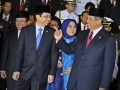 Presiden RI Susilo Bambang Yudhoyono (kanan) berbincang dengan Ketua DPR RI Marzuki Alie (kiri) usai pidato jelang peringatan kemerdekaan RI ke-67, di Kompleks Parlemen Senayan, Jakarta, Kamis (16/8). Presiden dalam pidatonya banyak menyoroti permasalahan korupsi, politik luar negeri, situasi ekonomi global, upaya penegakan hukum, serta sinergi antar lembaga negara. (FOTO ANTARA/Yudhi Mahatma)