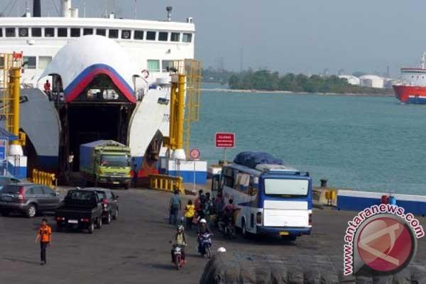 Penyeberangan Bali-Lombok dibuka-tutup karena cuaca buruk