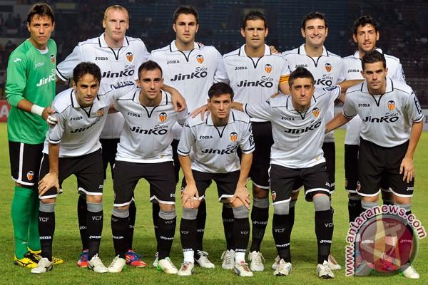 Valencia datangkan Santi Mina