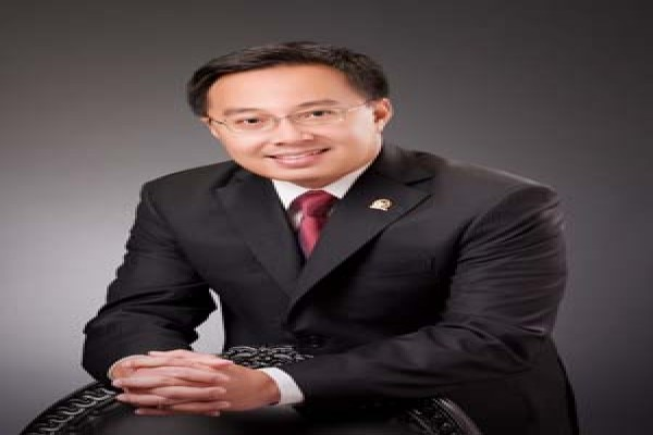 Menteri ESDM diminta batalkan rencana ekspor LN