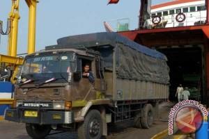 Truk ekspedisi dilarang lintas Pelabuhan Merak H-4