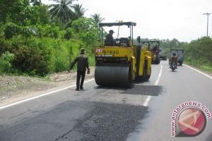 52 kilometer jalan nasional Pesisir Selatan dilebarkan