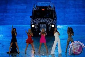 Peringati 20 tahun Spice Girls, Mel B kumpulkan pasukan